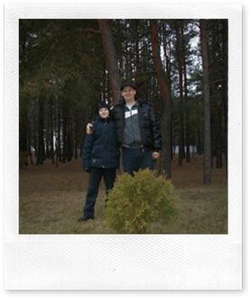 Мы с сыном в лесу.